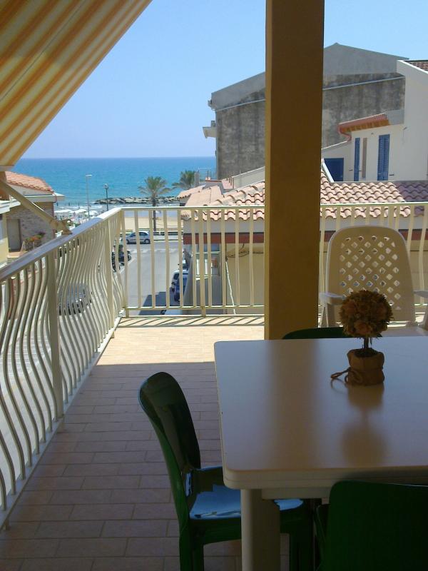 Patio with sea view - LA CASA DI GIO' - Marina di Ragusa - rentals