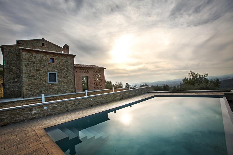 Wonderful Villa,private pool,spa corners,Cortona - Image 1 - Cortona - rentals