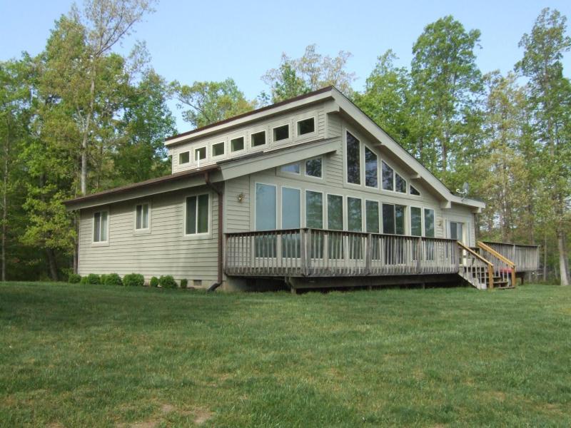 Side facing lake - Lake Anna Vacation Rental Home - Mineral - rentals