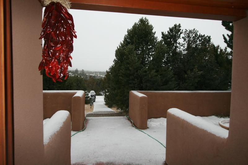 Winter Morning Suprise - Upscale Retreat Minutes From The Famous Santa Fe Plaza - Santa Fe - rentals