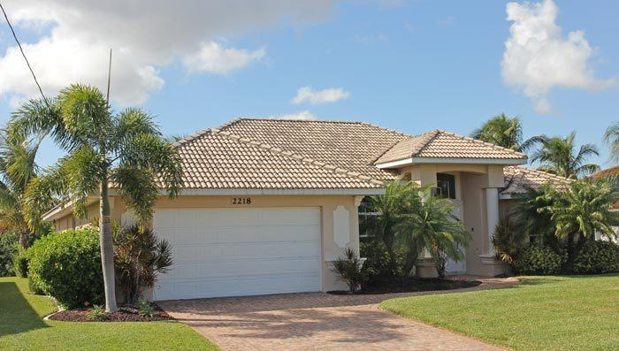 STUNNING VILLA WITH GULF ACCESS, POOL AREA WITH JACUZZI, SEA RAY SPORT BOAT - Image 1 - Cape Coral - rentals