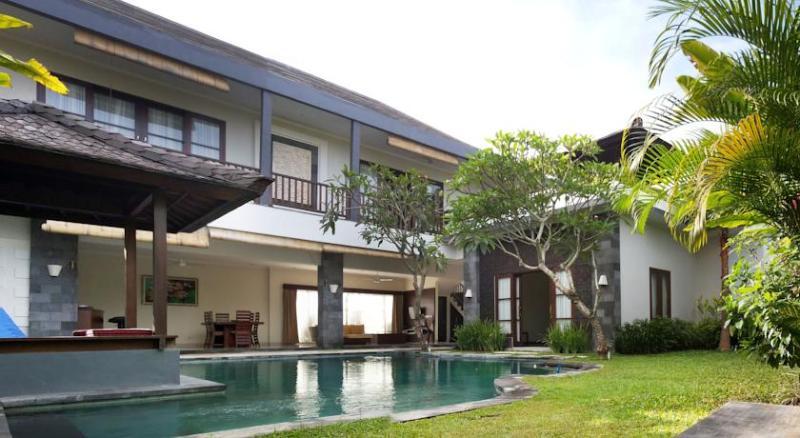 Fanisa, Modern Chic 3Bed Villa, 150m to Eco Beach - Image 1 - Canggu - rentals