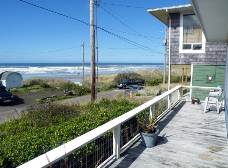 Spectacular ocean views from this dog-friendly cottage await! - Image 1 - Florence - rentals