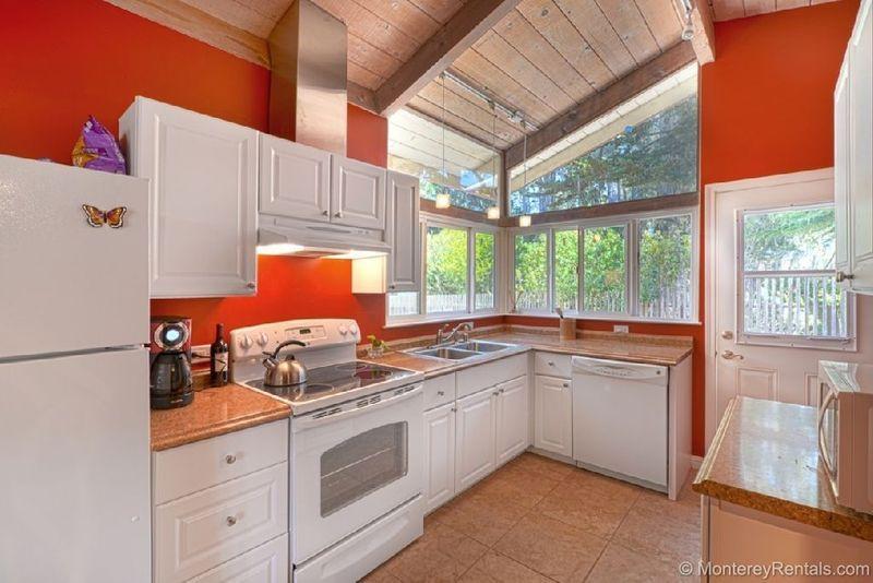 Ellie's Place - Image 1 - Pacific Grove - rentals