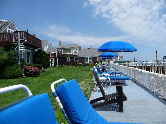 Manicured lawn and 450fFoot sun deck next to the beach - The Masthead Resort 120914 - Provincetown - rentals
