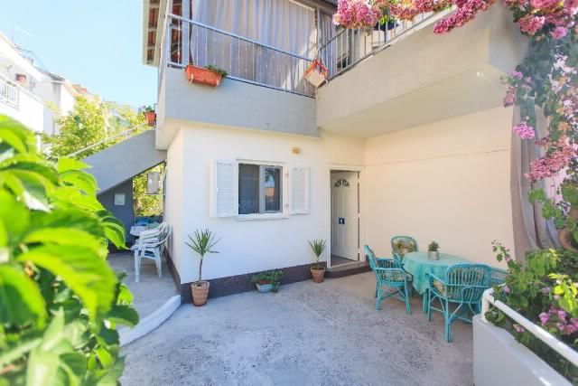Apartments Milenka - 42551-A3 - Image 1 - Podgora - rentals