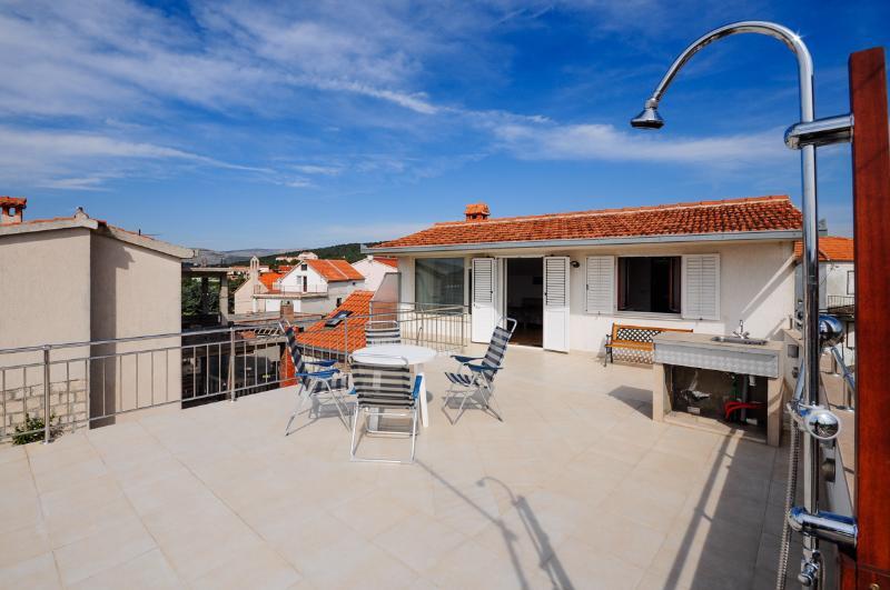 Apartment Karmela - 43971-A1 - Image 1 - Okrug Gornji - rentals