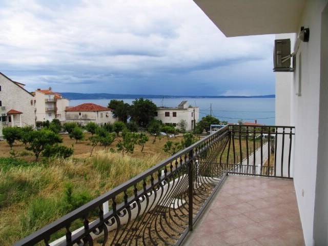 Apartments Filip - 44351-A3 - Image 1 - Podstrana - rentals
