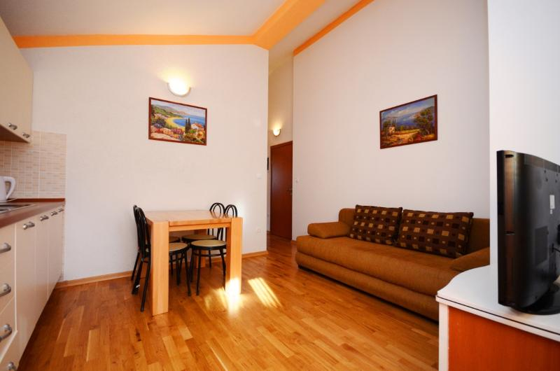 Apartments Željko - 41211-A5 - Image 1 - Podstrana - rentals