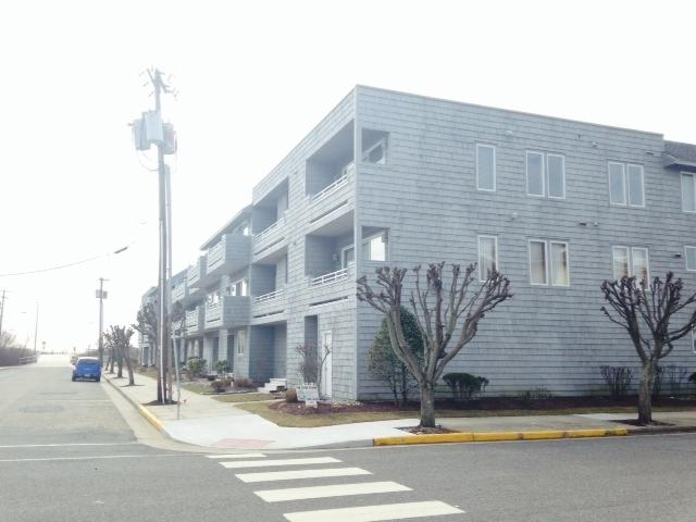 Breakers Unit 8-Minimum 28 day rental 117355 - Image 1 - Ocean City - rentals
