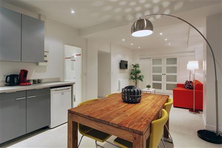 Excellent 1 Bedroom Apartment with Museum View - Image 1 - Paris - rentals