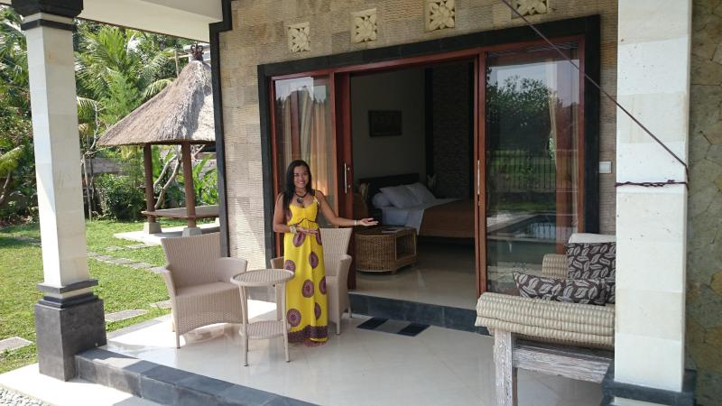 Hi I'm Anita, welcome to your private rice field villa.  No tourists, just ricefields ducks & stars. - Anita's Rice Field Villa- Pool, Wifi, Ubud Bali - Ubud - rentals
