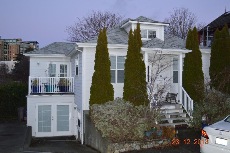 4 bedroom West Bay Home - Image 1 - Victoria - rentals