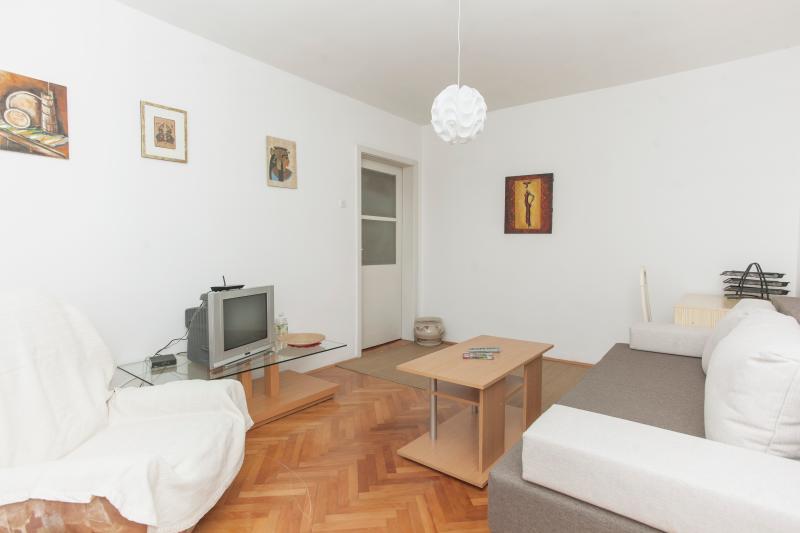 Living room - Perfect location 2 rooms apartment - Sarajevo - rentals