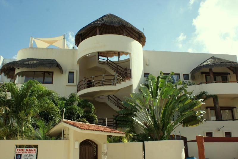 Mirasol 2; luxury and spacious 3 bedroom condo!!! - Image 1 - Playa del Carmen - rentals