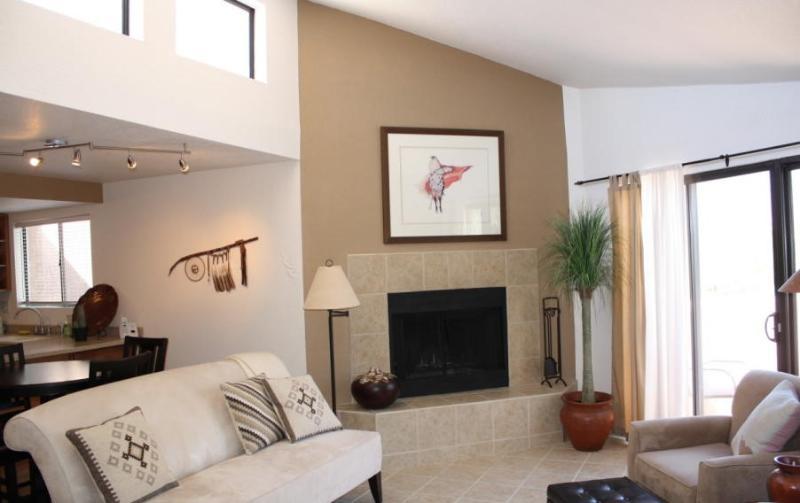 1BD/1BA Tucson gem Offers Designer Furnishings! - Image 1 - Tucson - rentals