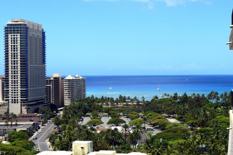 Luxury ocean view studio by Wyndham resorts - Image 1 - Honolulu - rentals