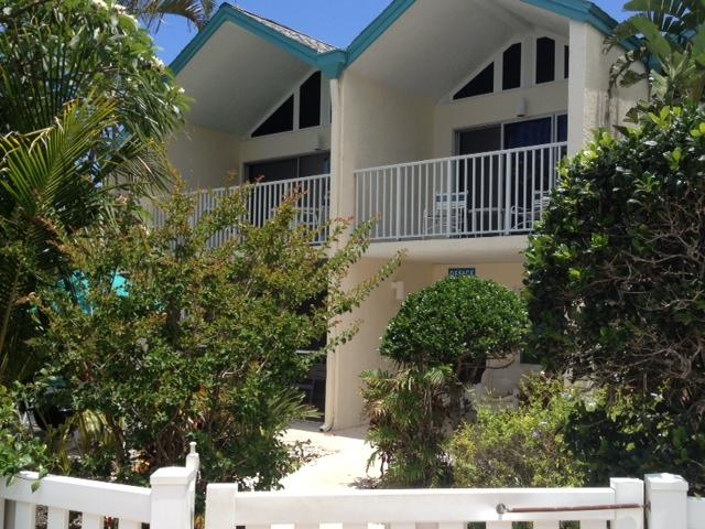 Coconuts Courtyard  Unit 116 Ground Floor - Image 1 - Holmes Beach - rentals