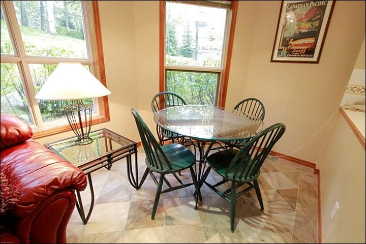 Cozy Dining Area with Beautiful Nature Setting Views - Highly Desirable Slopeside Location - Short Walk to Blackcomb Base (4071) - Whistler - rentals