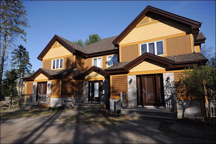 Exterior View - Balcony with Summer BBQ for those Warm Evenings - Cozy Wood Burning Fireplace (6006) - Mont Tremblant - rentals