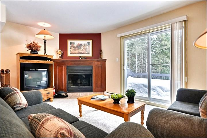 The Living Area is Welcoming with Cozy Decor and Furnishings - Large Private Balcony with Summer BBQ - Summer Shared Outdoor Swimming Pool (6009) - Mont Tremblant - rentals