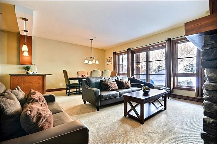 The Spacious Living Area - Common Area Hot Tub - Magnificent Mountain Views (6053) - Mont Tremblant - rentals