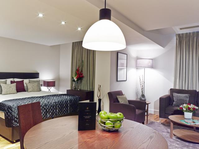 Modern South  Kensington 1 bedroom Small (4592) - Image 1 - London - rentals