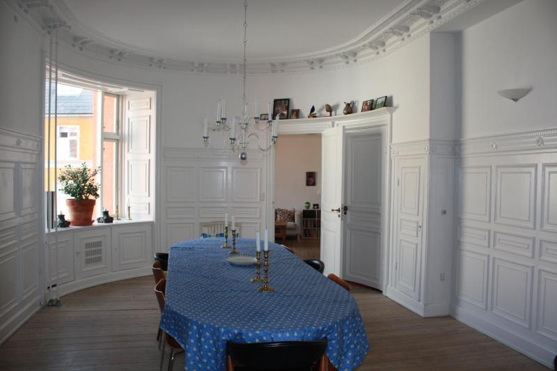 Big and beautiful dining room - Big Charming Family-apartment - Copenhagen Region - rentals