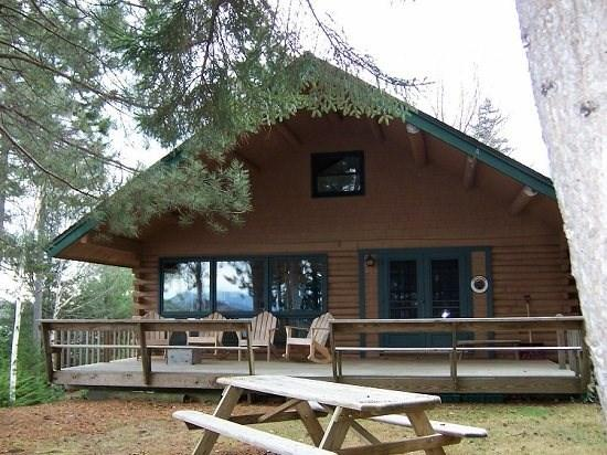 Lower Wilson Pond -Stony Cove Lodge - #125 Elegant, cozy lodge with vaulted ceilings - Greenville - rentals
