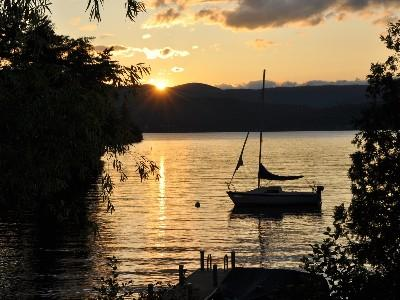 Fabulous sunset view! Peaceful Lake View Home, with Spectacular Sunsets a Must See! - Gorgeous sunset views on beautiful Lake George! - Putnam Station - rentals