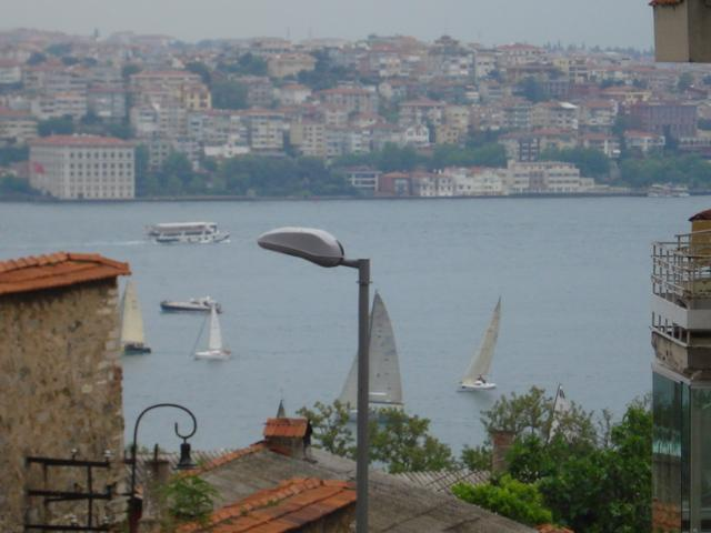 you have also little sea view from your balcony - Nice decorated 1 Bedroom apartment  near the YILDI - Istanbul - rentals