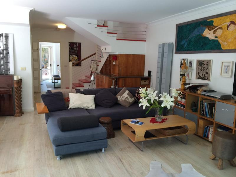 Open plan living area - Bronte Tamarama Beach Retreat - Bronte - rentals