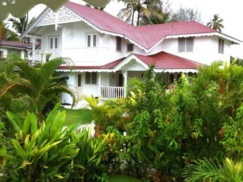 Charming Villa with a 5 minute walk to the beach - Image 1 - Las Terrenas - rentals
