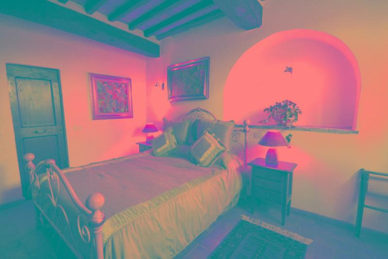double bedroom with en suite bathroom - La Mucchia casa vacanze (Family suite 3) - Cortona - rentals