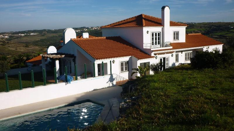 Villa in Sintra, swimmingpool, lovely views, 10km from  the beach. - Image 1 - Almograve - rentals