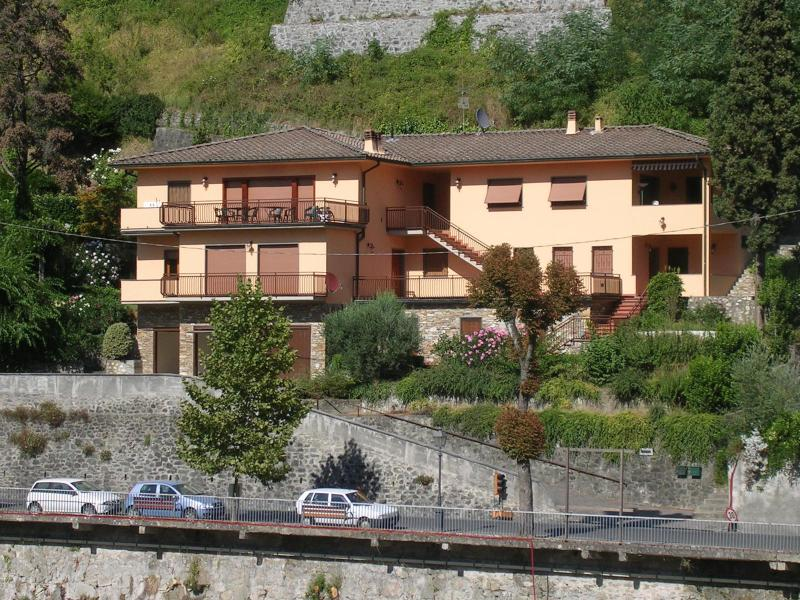 Villa Isabella. - Beautiful apartment in modern villa with magnificent view - Bagni Di Lucca - rentals