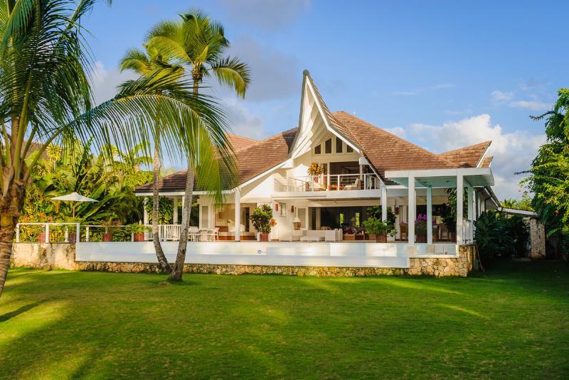Casa Limoncillo - Luxury Beachfront Villa - Image 1 - Las Terrenas - rentals
