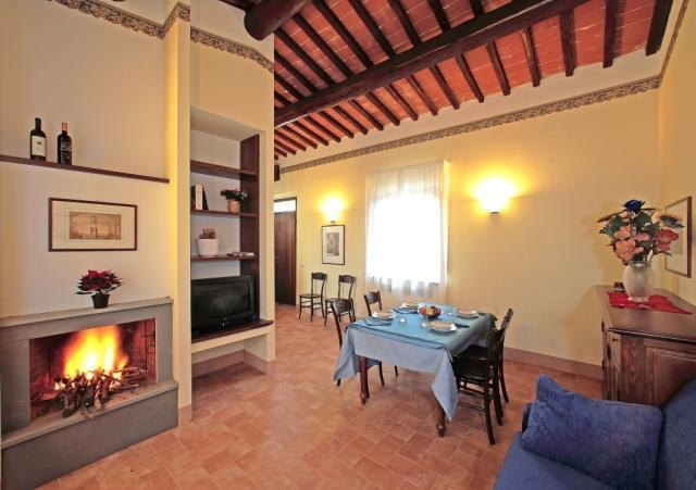 Apartment with Fireplace and Jacuzzi - Apartment (Fireplace + Jacuzzi + Pool + Parking) - Montepulciano - rentals