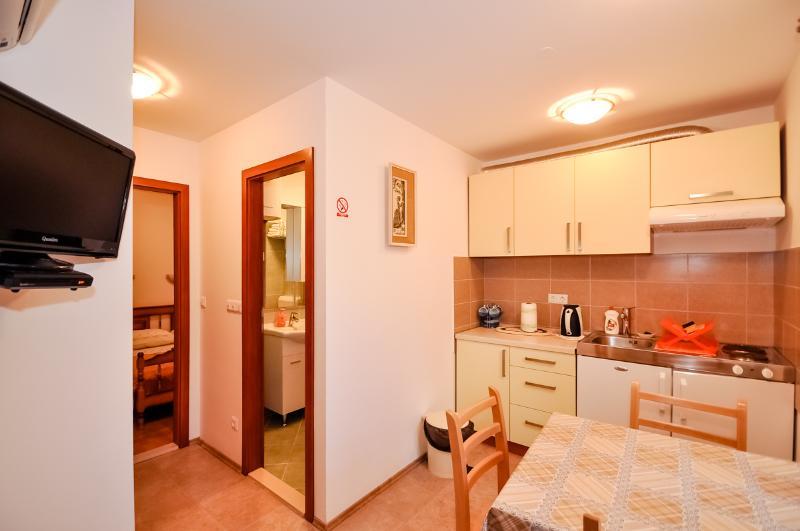 Apartments Mira - 44971-A2 - Image 1 - Omis - rentals