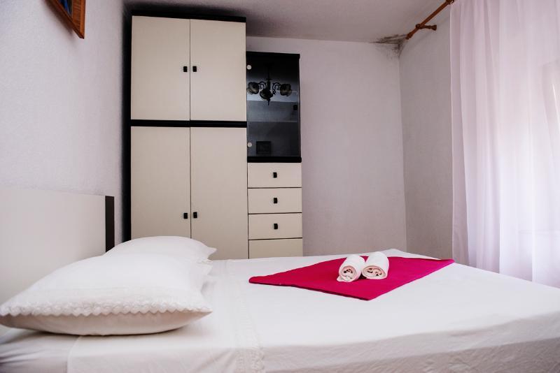 Apartment Nevenka - 45801-K1 - Image 1 - Kastel Stafilic - rentals