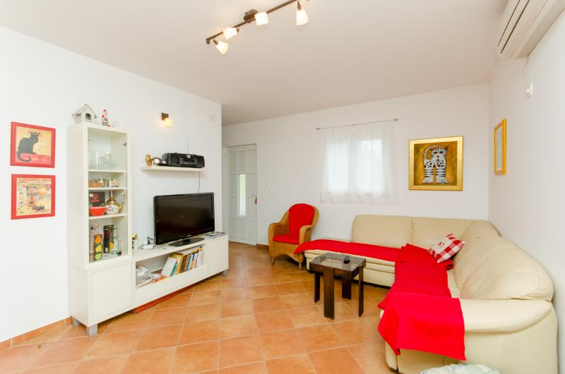 Apartment Jagoda - 60272-A1 - Image 1 - Cove Donja Krusica (Donje selo) - rentals