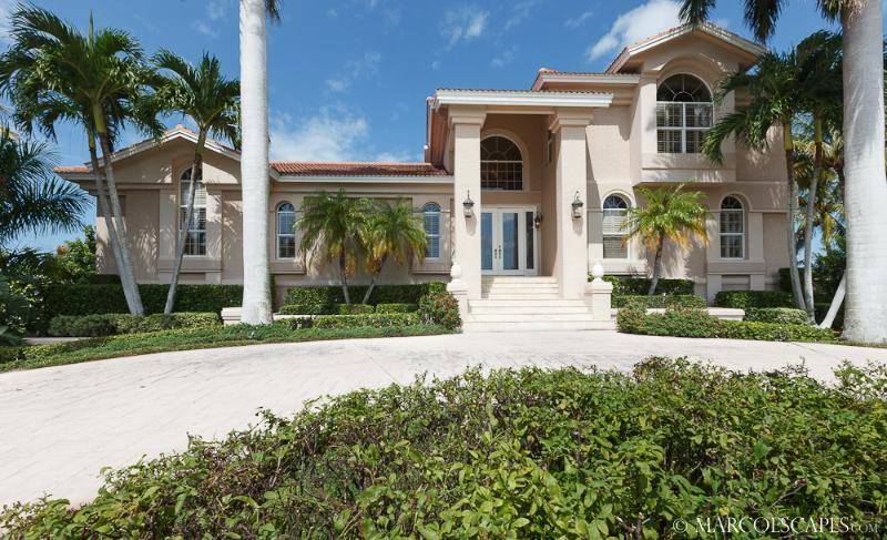 PETTIT COURT - Tommy Bahama Island Estate; a Manatee Playground !! - Image 1 - Marco Island - rentals