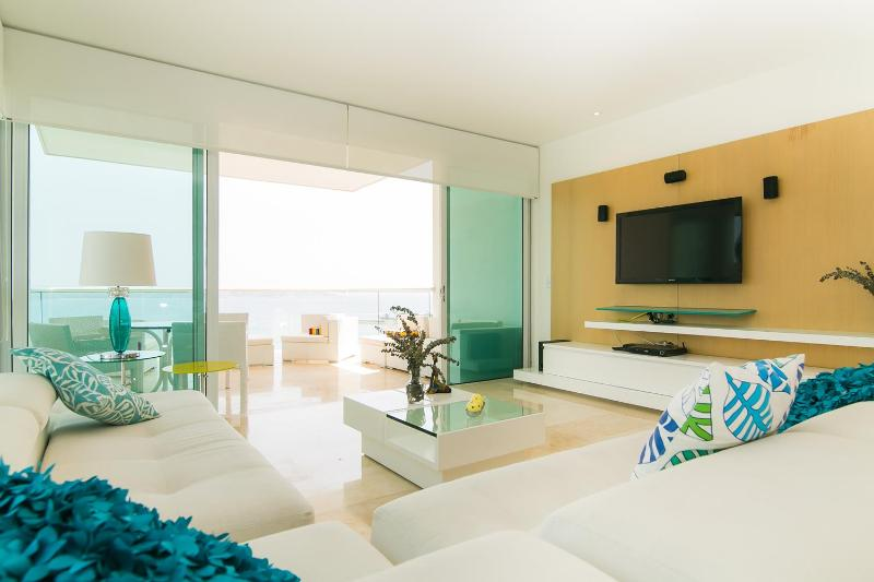 Contemporary 3 Bedroom Apartment in Castillo Grande - Image 1 - Cartagena - rentals