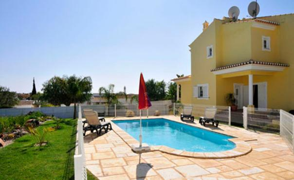 Modern townhouse villa in the peaceful  residential area of Quinta Dos Alamos - PT-1078955-Guia, Albufeira - Image 1 - Guia - rentals