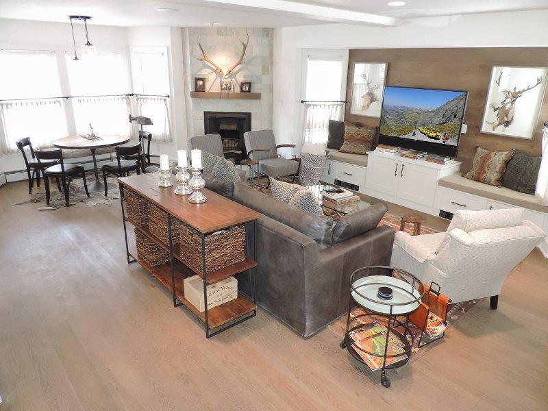 Spacious, open living area with large leather sofa, club chairs, flat-screen TV - 570 West Colorado - Newly Remodeled Historic Main Street Family Home - 5 Bd / 3.5 Ba - Sleeps 10 - Ideal Vacation Home for Families/Multi - Winter or Summer! - Telluride - rentals