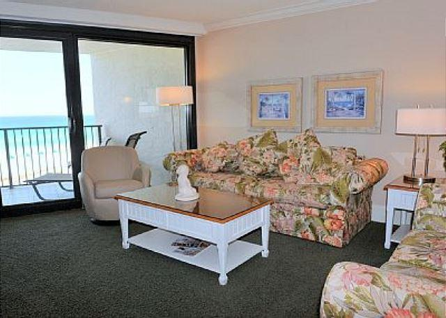 Living room - Lovely Two-Bedroom, Two-Bath Beachside Condo -- Great View of the Gulf! - Miramar Beach - rentals