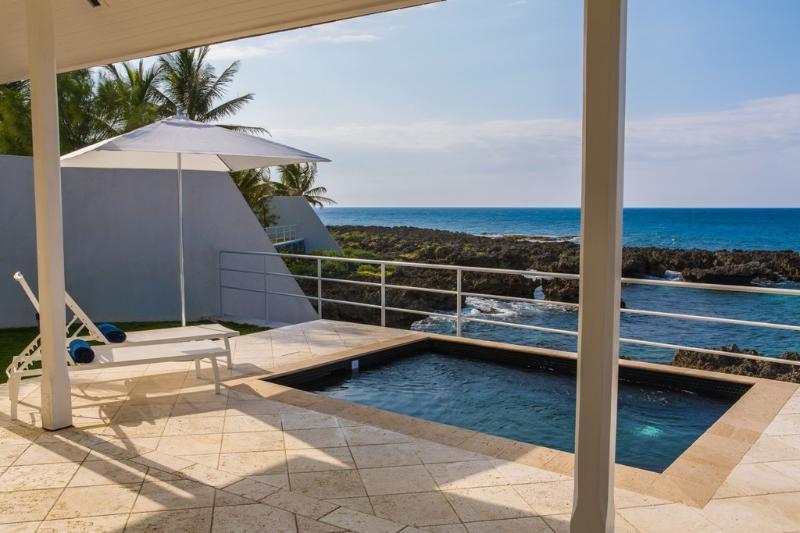 PARADISE PTH - 139222 - OCEANFRONT - JUNIOR VILLA A - Image 1 - Port Antonio - rentals