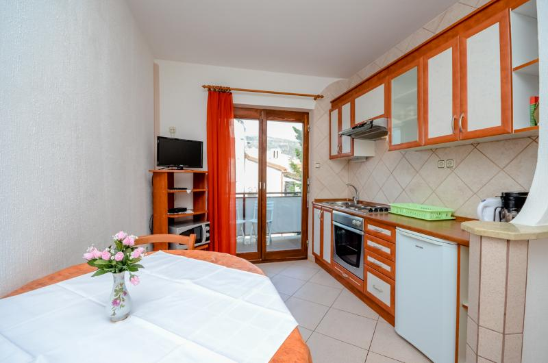 Apartment and Rooms Katica - 85421-A1 - Image 1 - Selce - rentals