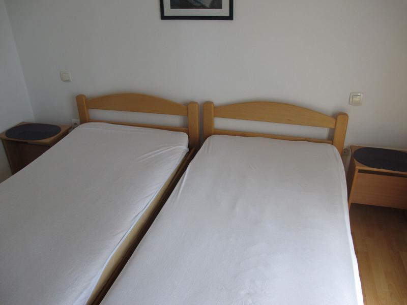 Apartments Slobodan - 92211-A4 - Image 1 - Petrovac - rentals
