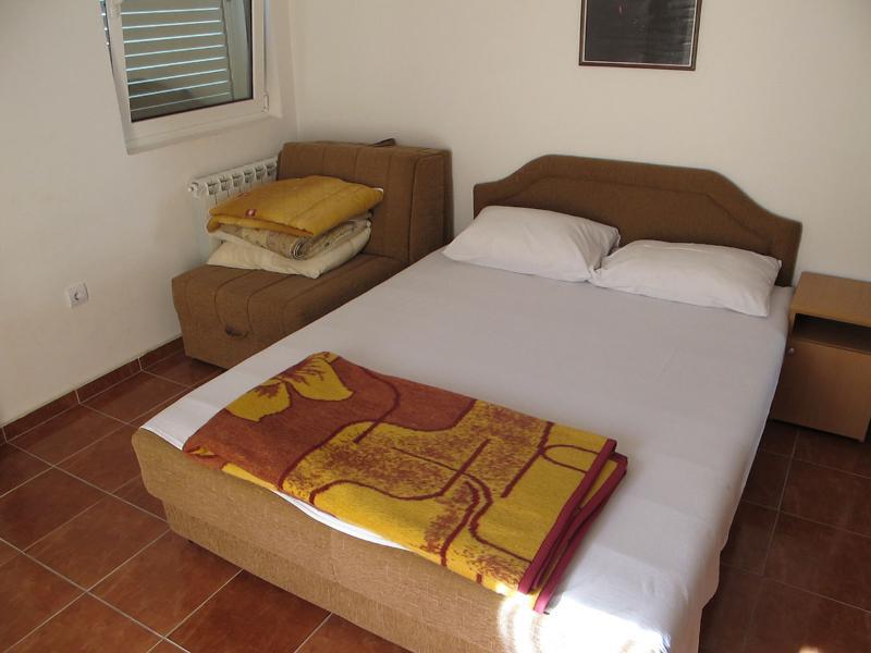Apartments and Room Milan - 92231-A1 - Image 1 - Rafailovici - rentals